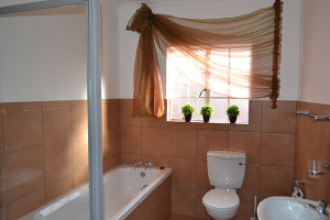 Kathu Accommodation | Bathroom | Vertel Van My Guest House | Kathu Accommodation