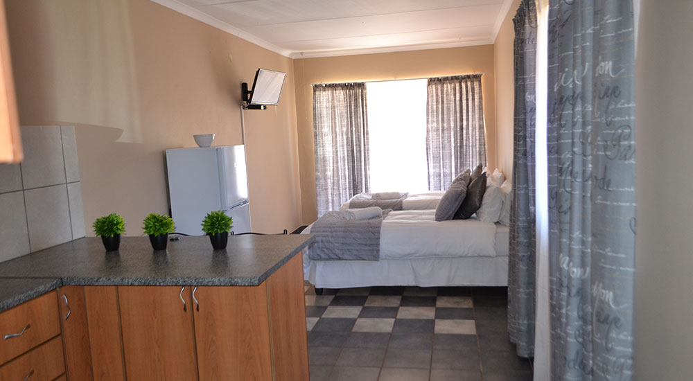 Double self-catering room | Kathu Accommodation